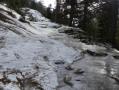 Coulée de glace sur le chemin