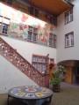 Fresques dans la cour de l'Hôtel de Ville