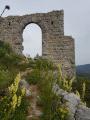 La porte de l'ancien château de Saint-Auban