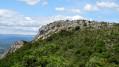 Les rochers et le site archéologique de Carabasse au départ de Bessas